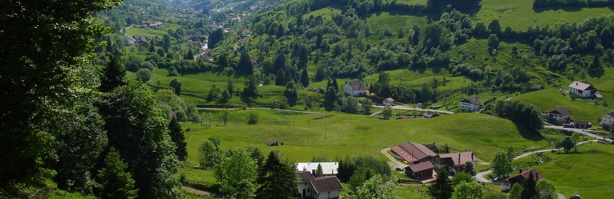 Camping belle hutte vos vacances locations camping for Camping lorraine avec piscine